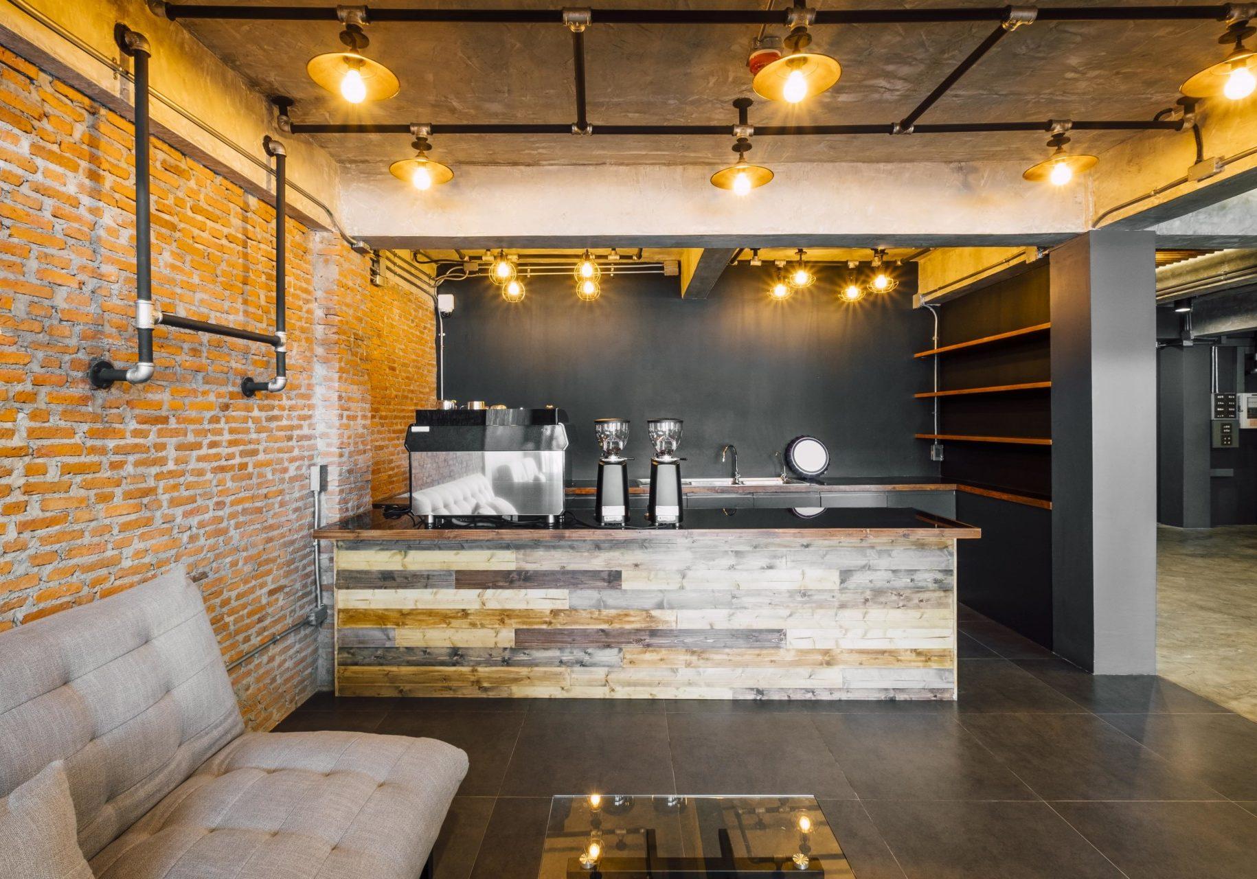 cafe-bar-hotel-loft-style-min